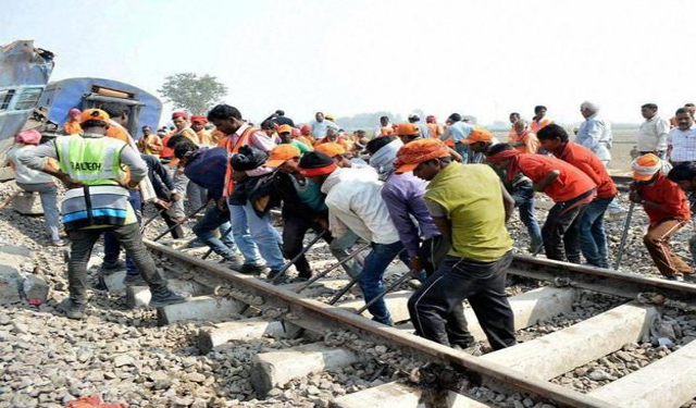 Compliance of Labour Laws for contract labour employed in Railway